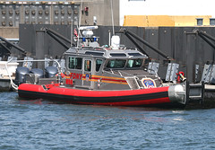 FDNY - M9A - COMPANY 9 - Medical Response boat in Staten Island, New York, USA. May, 2016 (Tom Turner - SeaTeamImages / AirTeamImages) Tags: nyc red rescue usa newyork port harbor pier dock marine unitedstates harbour transport vessel pony maritime transportation statenisland docked bigapple fdny firedept firedepartment patrol unit stapleton bravest marineunit tomturner m9a company9 medicalresponseboat