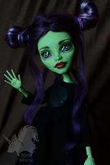 OOAK Venus McFlytrap - Light Gothic (skiurid_b) Tags: monster high etsy sell repaint custom handmade art cute girl dark green black outfit wig mohair