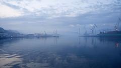 La ria en azul (carlosolmedillas) Tags: ria nervin bilbao bizkaia vizcaya euskadi espaa europa europe spain azul blue horaazul reflejos reflejo agua water paisaje landscape