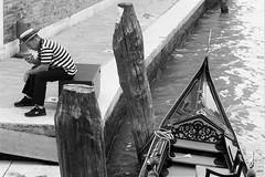 gondolier (mws141) Tags: gondola gondolier venezia venice boat phone costume