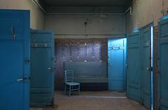(Lost Paradize) Tags: urbex exploration urbaine urban friche decay abandoned abandonn bains douche bleu blue salle mosaique