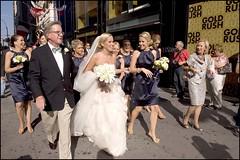 2010-09_DSC_1560_20160908 (Ral Filion) Tags: newyork usa ville cit urbain rue mariage cortge trottoir femme tradition street city urban marriage procession sidewalk women