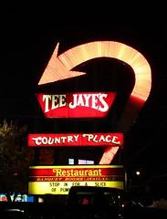Tee Jaye's (Eridony) Tags: columbus ohio sign night neonsign clintonville franklincounty
