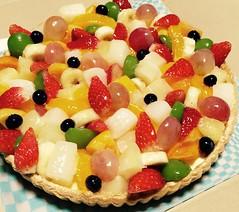 季節のフルーツタルト Seasonal fruit tart