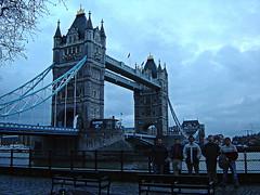 Tower Bridge (tunante80) Tags: inglaterra england london rio thames bar towerbridge river britain tavern londres britishmuseum turismo noria reinounido tamesis russellsquare granbretaa museobritanico