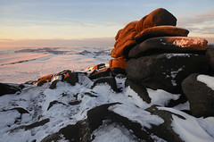 Light on Shelter Rock (andy_AHG) Tags: winter snow cold beautiful landscape outdoors landscapes countryside scenery snowy district derbyshire yorkshire peak hills valley moors british tor moor pennines burbage edges pursuits hathersage higger