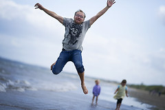 Superman ? (Wojtek Piatek) Tags: beach jumping sony bettystown runningman a850 jumpingman zeiss135