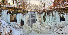 Its time to freeze (Vivek Sharma K) Tags: longexposure winter snow cold ice minneapolis falls minnehaha frozenfalls