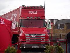 'SANTA1' Coca-Cola Christmas Truck 22-12-2014 Clacton Common.5 (routemaster2217) Tags: truck wagon transport coke lorry cocacola artic christmastruck clactononsea holidaysarecoming scaniatcab