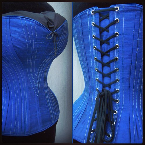 13a7bedf43 The serious  curves of the  periodcorsets  alice  corset curca  1880