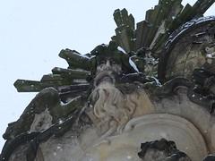 Schloss Sanssouci, Schneeflocken (Robert S. aus W.) Tags: schnee winter snow castle germany deutschland europa europe king palace kaiser residence schloss sanssouci potsdam barock palast emperor residenz knig prussia rokoko preusen