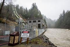 Snoqualmie Falls above flood stage (Puget Sound Energy) Tags: usa flow flooding unitedstates flood wash snoqualmiefalls heavy surge pse surging pugetsoundenergy
