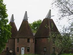 UK - Kent - Near Five Oak Green - Converted oast houses (JulesFoto) Tags: uk england kent ramblers oasthouse fiveoakgreen northeastlondonramblers