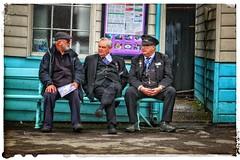 Railway Volunteers... (Yngwie87) Tags: volunteers platform grosmont northyorkshiremoorsrailway railwaystaff grosmontstation