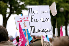 Manifestation contre le Mariage pour Tous, 2014. IMG130526_017_©_S.D-S.I.P_FR_JPG Compression 700x467 (Sébastien Duhamel) Tags: wedding copyright news paris france french europa europe european photographer wordpress newmedia eu agency canon5d press information fr politique francia ump fn prensa fra manifestation fotografo photojournalist informacion photographe presse fotoperiodista flickrsbest frenchphotographer fotoreportero photojournaliste golddragon ultimateshot flickrdiamond flickriver thebestofday rubyphotographer flickrlovers photographefrançais mariagegay médiapart flickroom flickrhivemindgroup reporterphoto fotografofrancés mariagepourtous manifpourtous manifestationantimariagegay antimariage bygmalion journalistephoto lesrépublicains