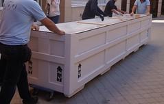 Una de las dos cajas de transporte (KRONOS Servicios de Restauracin) Tags: tapices museodeartesdecorativas restauracindetejidos kronos