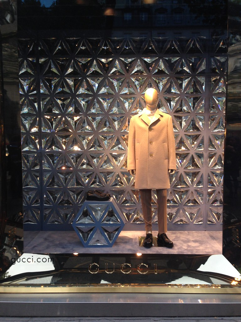 75afcf253b5c Vitrines Gucci - Paris, octobre 2014 (JournalDesVitrines.com) Tags  paris  window