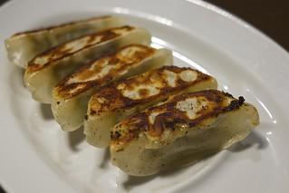 Baked Chinese dumpling / 焼き餃子 / 田ぶし 沼津店 (静岡県沼津市)