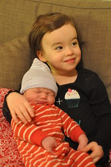 2014-12-08 21.58.01 (whiteknuckled) Tags: hospital born rachel holding lily sister brother birth jackson newborn 2014