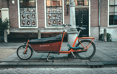 Bakfiets (Rolling Spoke) Tags: amsterdam bike bicycle cycling bicicleta cargo cycle ciclismo bici carrier velo fiets bakfiets bisiklet