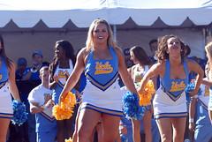 DSC_0056 (bruin805) Tags: cheerleaders ucla bruins danceteam spiritsquad pac12