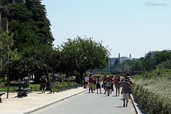 Path through Square Jean XXIII (eutouring) Tags: travel trees people paris france square path tourist tourists squarejeanxxiii squarejean