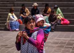Rebozo (ahenaol) Tags: mujer bolivia latinoamerica bebe nio lapaz sudamerica suramerica rebozo