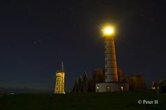 Saint-Mathieu de nuit. (Peter H. Photographie) Tags: longexposure light lighthouse france night zeiss landscape lumière sony bretagne carl paysage nuit phare finistère saintmathieu poselongue a580 variosonnartdt35451680