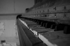 silent melodies (History Rambler) Tags: old house abandoned home broken rural dead south piano historic indeed forgotten plantation lonely antebellum theyalwaysleavethepiano