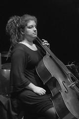 Violoncellista - Cellist (Alessandro Bacioccola) Tags: live concerto musica prato maggio officina giovani alessio fiorella playcoldplay