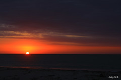 Un da menos (Gaby Fil ) Tags: sunset sol atardecer mar agua per puestadesol playas ocasos tumbes zorritos ocenopacfico playasperuanas costanortedeper playasdeper bocapn