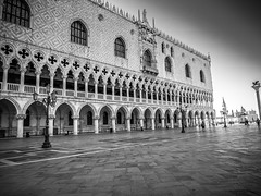 Doge's Palace (Nigel Wallace1) Tags: venice blackandwhite italy holiday water buildings square hotel boat olympus tourists explore gondola