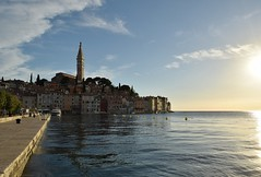 Floating on water and light (mdw2704) Tags: sea meer croatia rovigno rovinj adriatic adria istria hrvatska istra kroatien istrien