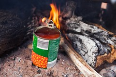 Had to stop in the middle of nowhere cs Tandy, the new van, doesn't want to leave queensland. Luckily we have got some beans and sweets to cheer us up!  -- #australia #travelphotography #travel #backpackerlife #ontheroad #vanlifers # (goofy.vagabonds) Tags: new camping breakfast square landscape fire beans fireplace outdoor paisaje squareformat brekkie backpackers campinggear campinglife iphoneography instagramapp uploaded:by=instagram vanlifers backpackerslife