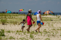 going to the beach (lvphotos!) Tags: summer hot weather high temperature beach activity weekend outdoor people
