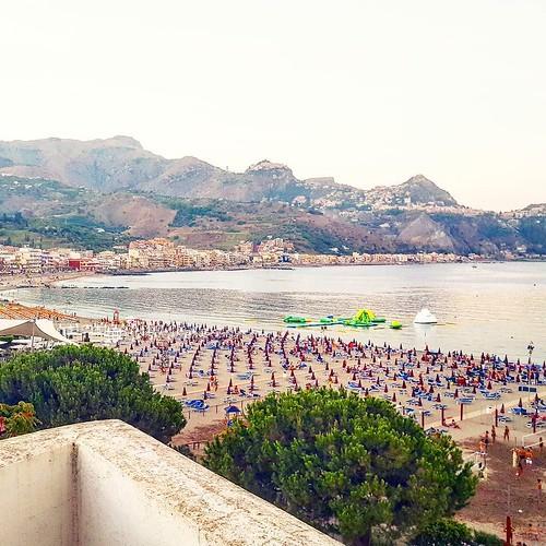 Tra le bellezze della nostra Italia  #italy #sicily #beach #sea #mare #vacanze #island #green #nature #younique #accessori #personalizzati #madeinitaly #handmade #collane #bracciali #spille #orecchini #holidays #instagood #instagramers #TagsForLikes #show