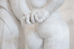 Farnese Hercules (Detail) (Lucas Alexandros) Tags: hercules herakles wearyhercules museum museoarcheologiconazionaledinapoli art arthistory marble glykon greek greekart roman sculpture scultura escultura ercole caracalla hesperides naples napoli