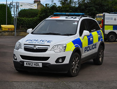 KN12HDL (Cobalt271) Tags: kn12hdl northumbria police vauxhall antara 22 cdti 4x4 response vehicle proud to protect livery