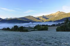 Lus dans la brume du petit matin (A.G. Photographie (+ 100 000 vues)) Tags: brume village lus sommet matin nikon d5000 sigma