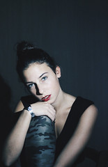 (clararalc) Tags: red portrait woman selfportrait girl hair neck eyes chica legs retrato lips greeneyes redlips shoulders