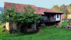 Casona Asturiana (Iglesias Riveiro) Tags: asturias casonas corao
