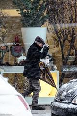 Giulio_Nikon_NeveStreet_170 mm_26 (Giulio Gigante) Tags: street people italy snow ice nikon italia neve freddo abruzzo giulio pescara ghiaccio giulionikon