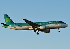 EI-EDP (AnDrEwMHoLdEn) Tags: manchester airport aerlingus a320 manchesterairport egcc 05l