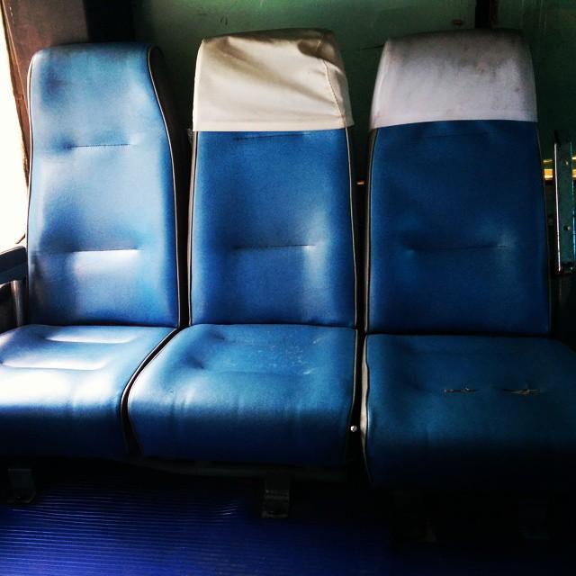 Les fauteuils de bus Schtroumpfs #bangkok #thailande