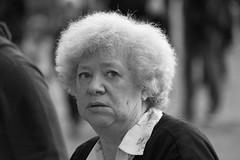 copricapo (g_u) Tags: people bw woman florence donna gente bn persone firenze gu bianco nero viso ugo piazzasignoria