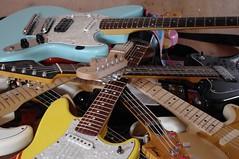 Gitarrenhaufen (shortscale) Tags: guitar fender jaguar cyclone stratocaster gitarre squier telecaster jazzbass framus jagstang duosonic strato4 kittycaster