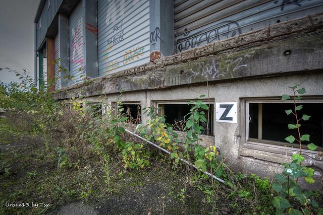 Urbex - Entrepôt déchiré 04