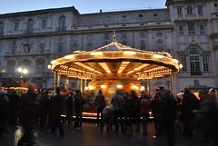 Piazza Navona (MrsLovett!) Tags: roma italia bambini persone luci piazza natale piazzanavona giostra bellezza giostre allegria