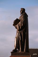 Grotius (paral_lax <°)><) Tags: sculpture statue delft standbeeld hugodegroot