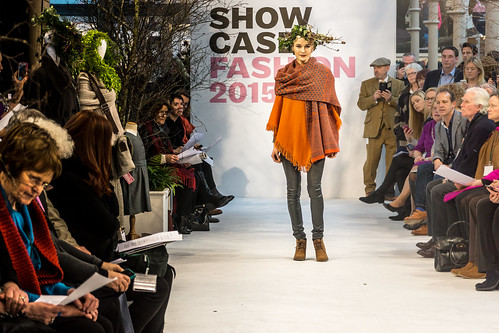 SONIA REYNOLDS PRESENTS HER SELECTION OF THE BEST OF IRISH FASHION- REF-101329